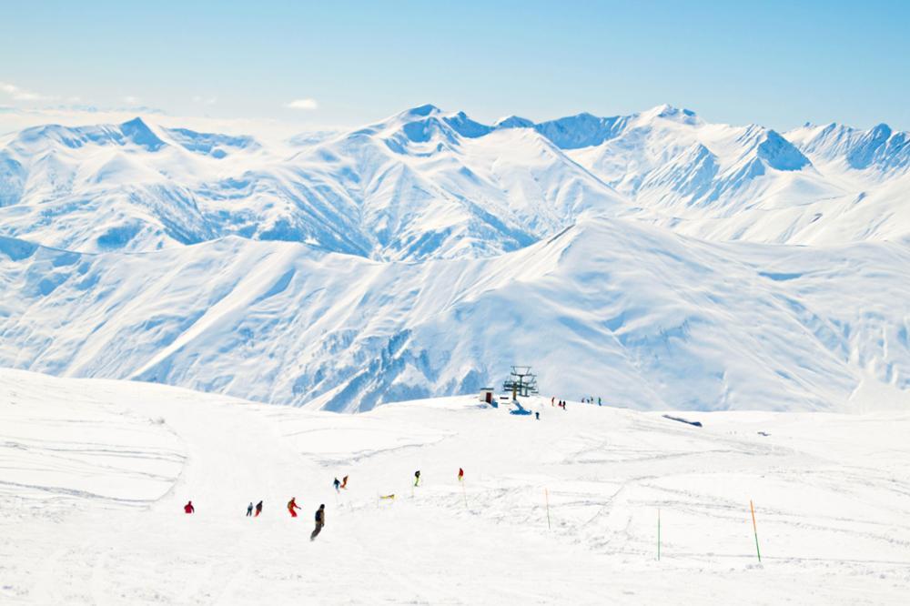 Faire du ski ou du snowboard en Géorgie : les 5 meilleures stations d'hiver